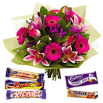 Combo of Flower Arrangement and Chocolates